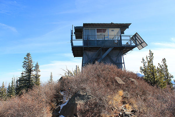 Kendrick Peak's summit fire lookout