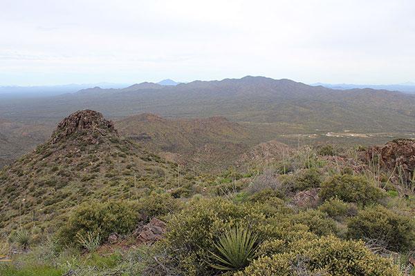 To the north Gu Achi Peak rises above the North Comobabi Mountains.