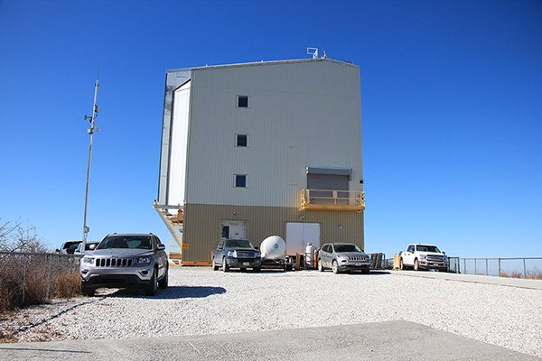 The FLWO building on Mount Hopkins rotates as needed