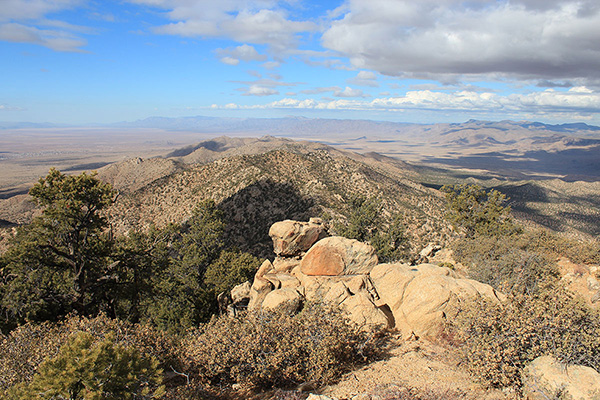 Looking north along the crest of the Peacock Mountains from the Peacock Peak summit